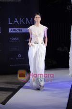 on day 1 Lakme Fashion Week for designer Anamika Khanna in Tote on 10th March 2011 (116).JPG