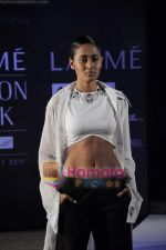 on day 1 Lakme Fashion Week for designer Anamika Khanna in Tote on 10th March 2011 (118).JPG