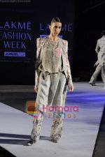 on day 1 Lakme Fashion Week for designer Anamika Khanna in Tote on 10th March 2011 (71).JPG