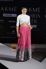 on day 1 Lakme Fashion Week for designer Anamika Khanna in Tote on 10th March 2011 (73).JPG