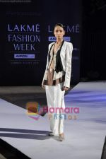 on day 1 Lakme Fashion Week for designer Anamika Khanna in Tote on 10th March 2011 (84).JPG