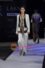 on day 1 Lakme Fashion Week for designer Anamika Khanna in Tote on 10th March 2011 (85).JPG