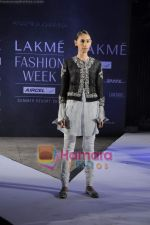 on day 1 Lakme Fashion Week for designer Anamika Khanna in Tote on 10th March 2011 (96).JPG