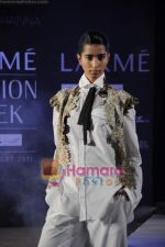 on day 1 Lakme Fashion Week for designer Anamika Khanna in Tote on 10th March 2011 (99).JPG