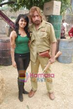 Shakti Kapoor, Amenda On location of film Bin Bulaye Baarati in Kamalistan on 17th March 2011 (2).JPG