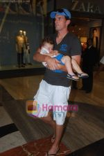 New Zealand criket team snapped shopping at Palladium with their kids n spouse on 19th March 2011 (82).JPG
