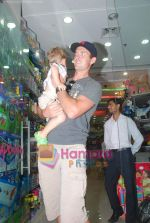 New Zealand criket team snapped shopping at Palladium with their kids n spouse on 19th March 2011 (35).JPG