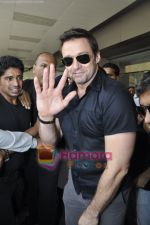 Hugh Jackman (Wolverine)  lands in  International Airport, Mumbai on 24th March 2011 (19).JPG