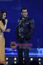 Preity Zinta, Salman Khan on the sets of Guinness World Records in R K Studios on 26th March 2011 (21).JPG