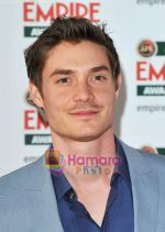 at Jameson Empire Awards 2011 on 27th March 2011 (41).JPG