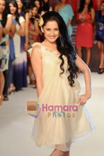 Sanjeeda Sheikh walk for 109 F launch in Mayfair Rooms, Mumbai on 5th April 2011 (45).JPG