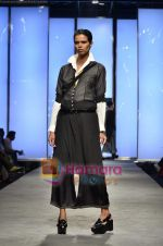 Model walks the ramp for Abraham and Thakore show on Wills Lifestyle India Fashion Week 2011-Day 4 in Delhi on 9th April 2011 (109).JPG