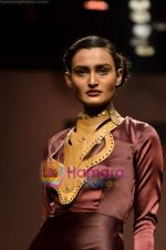 Model walks the ramp for Alpana and Neeraj show on Wills Lifestyle India Fashion Week 2011-Day 4 in Delhi on 9th April 2011 (35).JPG