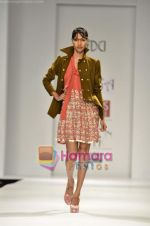 Model walks the ramp for Koga show on Wills Lifestyle India Fashion Week 2011-Day 4 in Delhi on 9th April 2011 (19).JPG
