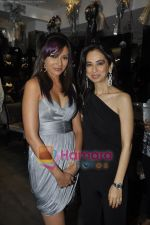 Mrinalini Sharma at Gehna Jewellery 25th anniversary bash in Gehna, Bandra, Mumbai on 9th April 2011 (12).JPG