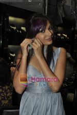 Mrinalini Sharma at Gehna Jewellery 25th anniversary bash in Gehna, Bandra, Mumbai on 9th April 2011 (4).JPG
