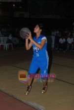 Neetu Chandra dabbles with Basket-Ball in Churchgate, Mumbai on 9th April 2011 (6).JPG