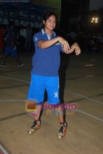 Neetu Chandra dabbles with Basket-Ball in Churchgate, Mumbai on 9th April 2011 (9).JPG