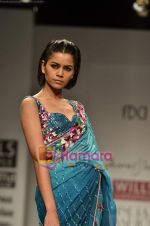 Model walks the ramp for Rabani Rakha show on Wills Lifestyle India Fashion Week 2011-Day 5 in Delhi on 10th April 2011 (19).JPG