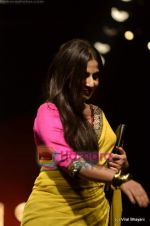Vidya Balan at Sabyasachi show on Wills Lifestyle India Fashion Week 2011-Day 5 in Delhi on 10th April 2011 (25).JPG