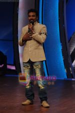 Remo D Souza at Zee TV Dance Ke Superstars on 12th April 2011 (48).JPG