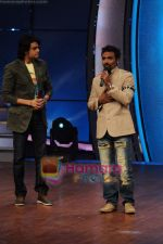 Remo D Souza, Manish Paul at Zee TV Dance Ke Superstars on 12th April 2011 (2).JPG