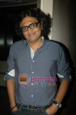 Shamir Tandon at Sunidhi_s bash for Enrique track in Vie Lounge on 18th April 2011 (29).JPG