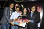 Sunidhi Chauhan, Shamir Tandon at Sunidhi_s bash for Enrique track in Vie Lounge on 18th April 2011 (2).JPG