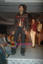 at SNDT Chrysalis fashion show in lalit intercontinental, Mumbai on 18th April 2011 (45).JPG