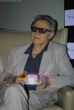 Harvey Keitel ties up with Bollywod producer of film Udaan Sanjay Singh in Colaba on 20th April 2011 (14).JPG
