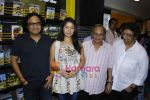 Sunidhi Chauhan, Shamir Tandon, Anandji promotes her latest album Heart Beat with Enrique Iglesias at Planet M (5).JPG