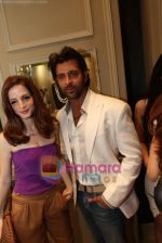 Suzanne & Hrtihik Roshan at Fine Jewellery Store Launch in Delhi on 21st April 2011.JPG