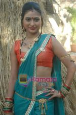 at Bhojpuri film Damad Chahi Fokat Mein shoot in Madh on 22nd April 2011 (19).JPG