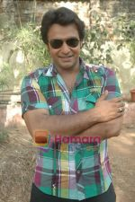 at Bhojpuri film Damad Chahi Fokat Mein shoot in Madh on 22nd April 2011 (2).JPG