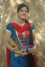 at Bhojpuri film Damad Chahi Fokat Mein shoot in Madh on 22nd April 2011 (31).JPG
