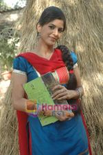 at Bhojpuri film Damad Chahi Fokat Mein shoot in Madh on 22nd April 2011 (33).JPG