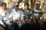 at Bhojpuri film Damad Chahi Fokat Mein shoot in Madh on 22nd April 2011 (45).JPG