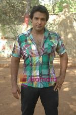 at Bhojpuri film Damad Chahi Fokat Mein shoot in Madh on 22nd April 2011 (47).JPG