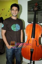 Arjun Mathur at Radio Mirchi studio in Lower Parel on 28th April 2011 (27).JPG