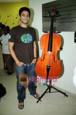 Arjun Mathur at Radio Mirchi studio in Lower Parel on 28th April 2011 (6).JPG