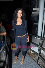 Sheetal Mallar at Vinay Pathak_s special screening of Chalo Dilli in PVR on 28th April 2011 (4).JPG