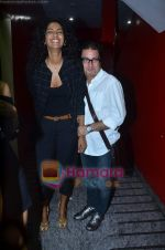 Vinay Pathak, Sheetal Mallar at Vinay Pathak_s special screening of Chalo Dilli in PVR on 28th April 2011 (2).JPG