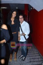 Vinay Pathak, Sheetal Mallar at Vinay Pathak_s special screening of Chalo Dilli in PVR on 28th April 2011 (6).JPG