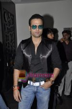 Rohit Roy at the Success bash of Shor in the City in Fat CAt Cafe, Mumbai on 6th May 2011 (2).JPG