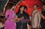 Sudesh Bhosle, Alka Yagnik, Kavita Krishnamurthy at Pyarelal_s musical concert in Andheri Sports Complex on 7th May 2011 (2).JPG