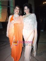 Zarine with Farah Khan at Mother_s day special in Mumbai on 6th May 2011.JPG