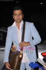 Rohit Roy leave for Cannes on 10th May 2011 (10).JPG