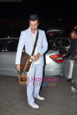 Rohit Roy leave for Cannes on 10th May 2011 (2).JPG