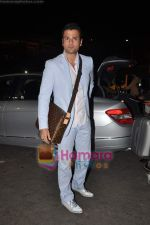 Rohit Roy leave for Cannes on 10th May 2011 (5).JPG