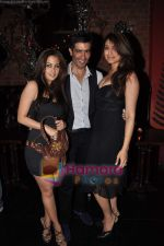 Aushima Sawhney at Rohit Bal_s bday bash in Veda on 12th May 2011 (5).JPG